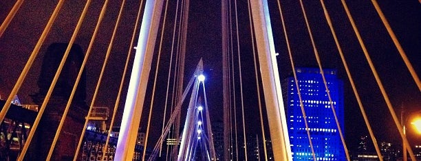 Hungerford & Golden Jubilee Bridges is one of 36 hours in...London.