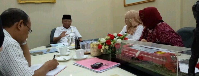 Kantor Gubernur Sulawesi Selatan is one of Makasar.