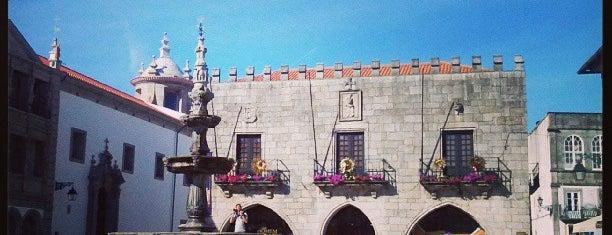 Praça da República is one of Locais obrigatórios em Viana do Castelo.