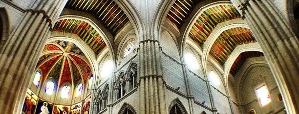 Santa Iglesia Catedral de Santa María la Real de la Almudena is one of @ Madrid (MD, España).