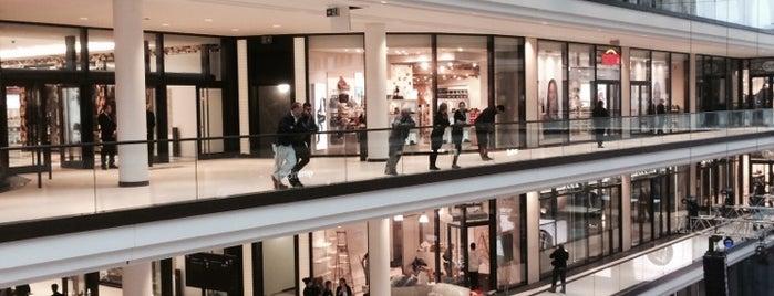 LP12 Mall of Berlin is one of Berlin.