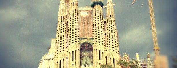 Plaça de la Sagrada Família is one of BCLN.