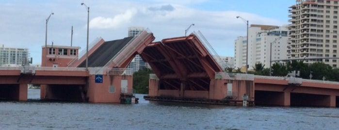 63rd Street Draw Bridge is one of Draw Bridges.