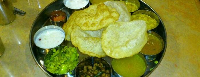 Saravanaa Bhavan is one of I gotta eat here..