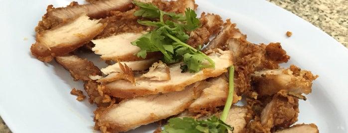 ขาหมูประชาชื่น is one of Favorite Food.