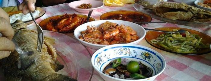 Restoran Rahmat is one of makan sedap.