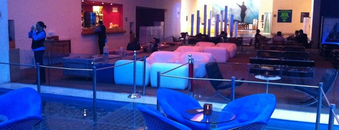 Blue Lounge is one of Lugares Imposible Pasarla Mal (aunque insistas).