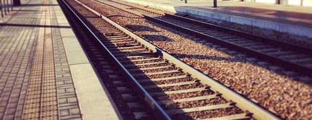 Stazione Carnate Usmate is one of Linee S e Passante Ferroviario di Milano.
