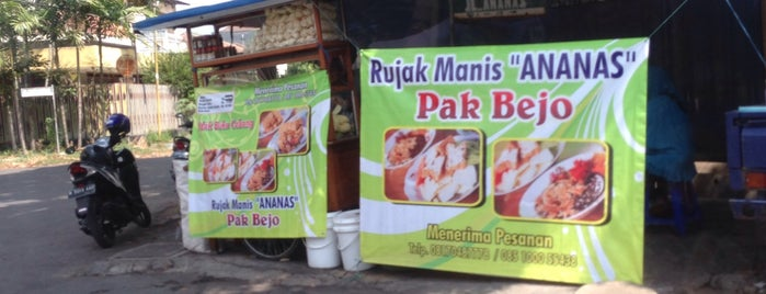 Rujak Manis Ananas Pak Bejo is one of 20 favorite restaurants.