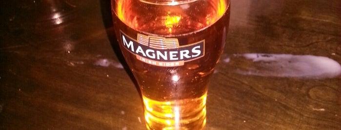 Kildare's Irish Pub is one of Top Notch.