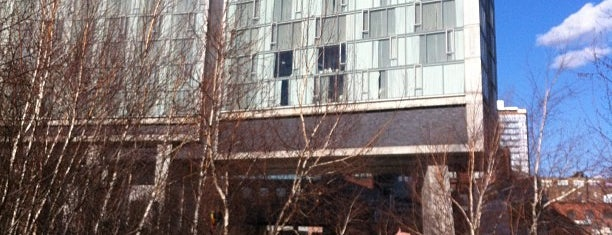 The Standard, High Line is one of Fashion Week Haunts.