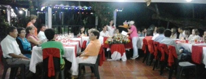 Parque Natural El Gallineral is one of Lugares en Colombia!!!! :D.