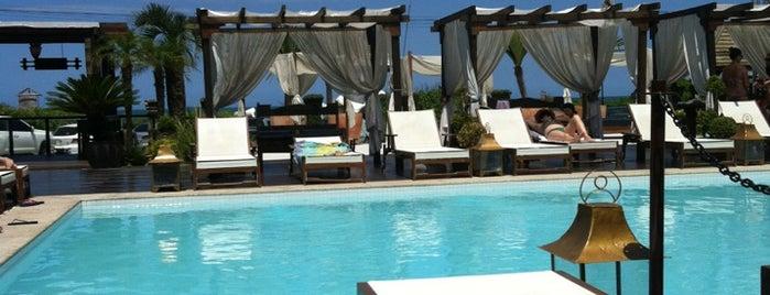 Rakenne Beach Club is one of fer lista.