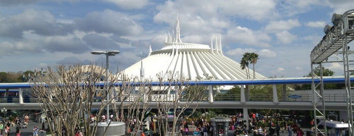 Tomorrowland Transit Authority PeopleMover is one of Magic Kingdom Guide by @bobaycock.