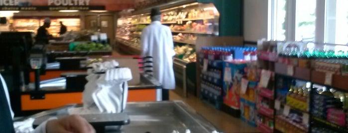 Diaz Supermarket is one of Ya es hora-Libera Tu Voz.