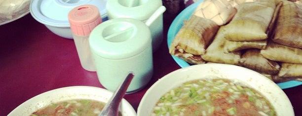 Coto Makassar Daeng Muchtar is one of Kuliner Wajib @Surabaya.