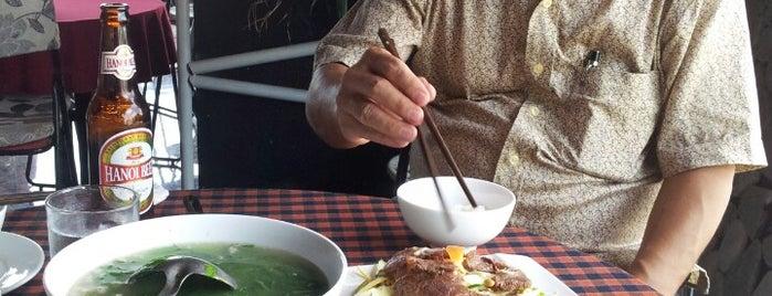 Karaoke Monaza is one of Cafe. chân dài.