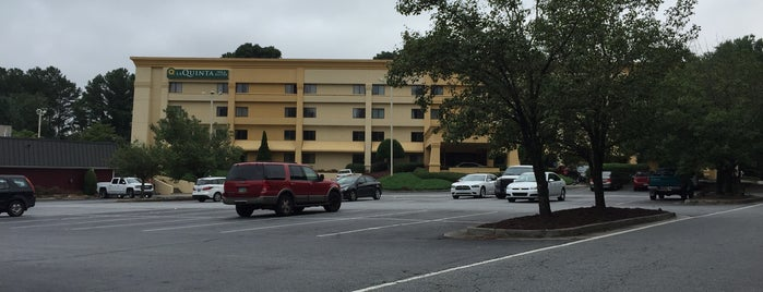 La Quinta Inn & Suites Atlanta Roswell is one of Members of the Roswell BA.