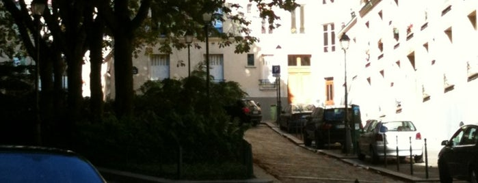 Square Bolivar is one of Paris East Village.