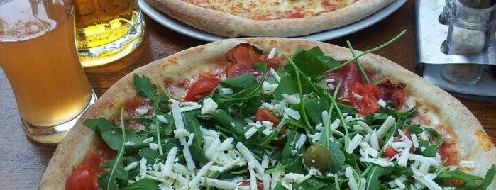 Pizzeria Delfino is one of Fina papica.