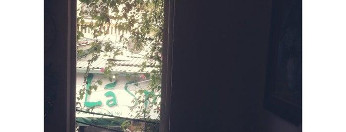Le Petit Cafe is one of Quán xá.