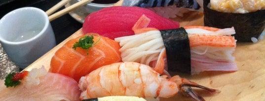 Komasa Sushi Bar is one of He estado aqui.