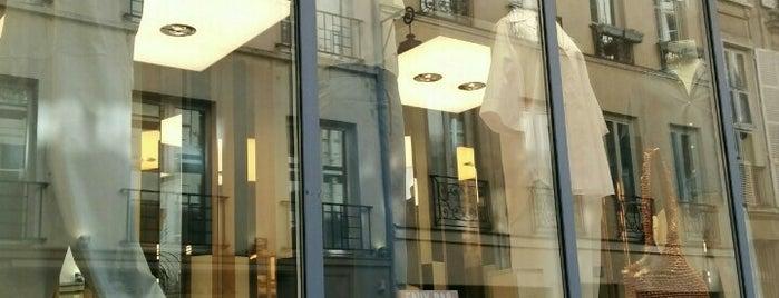 Tom Greyhound Paris is one of Paris.