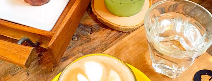 Tiang Naa (เถียงนา) Coffee and Bakery Farm is one of ╭☆╯Coffee & Bakery ❀●•♪.。.