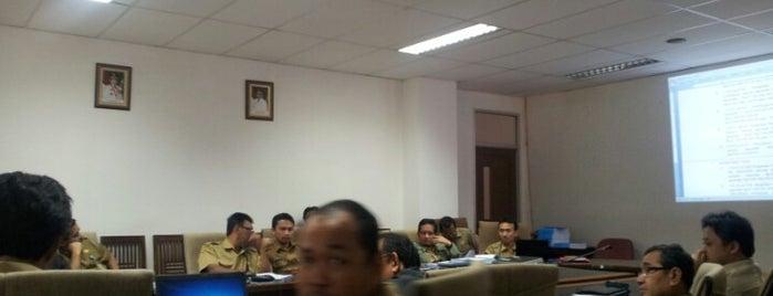 Dinas Pengelolaan Keuangan dan Aset Daerah Prov.Banten is one of Guide to Government Buildings Banten's best spots.