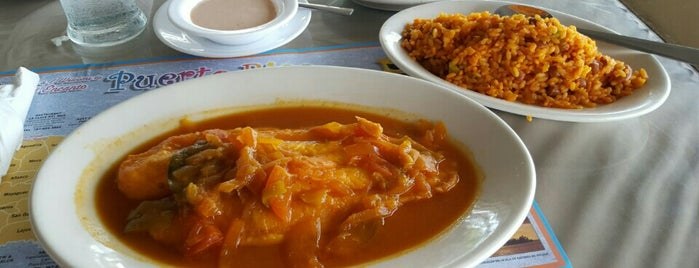 Yeyo's Sea Food is one of Ponce #4sqCities.