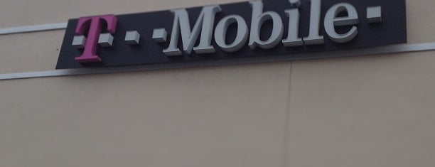 T-Mobile is one of Orlando - Compras (Shopping).