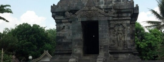 Candi Pawon (Pawon Temple) is one of YOGYAKARTA.