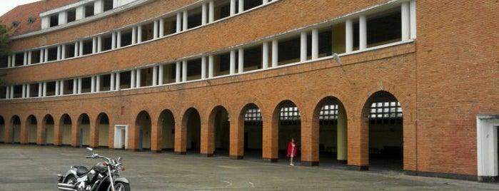 Trường Cao đẳng Sư phạm Đà Lạt (Dalat Education College) is one of Đà Lạt.