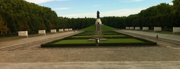 Treptower Park is one of Guten Tag, Berlin!.