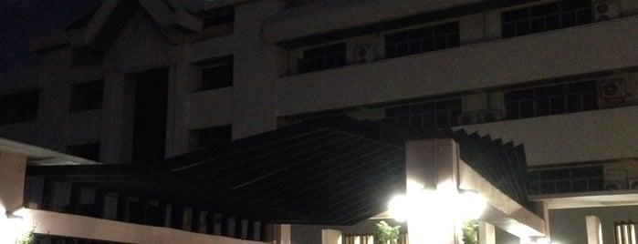 โรงแรมวังแก้ว is one of พี่ เบสท์.