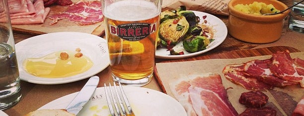 Birreria at Eataly is one of comidinhas outside.