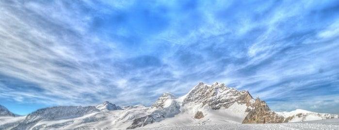 Jungfraujoch (3454m) is one of Bahnhöfe Top 200 Schweiz.