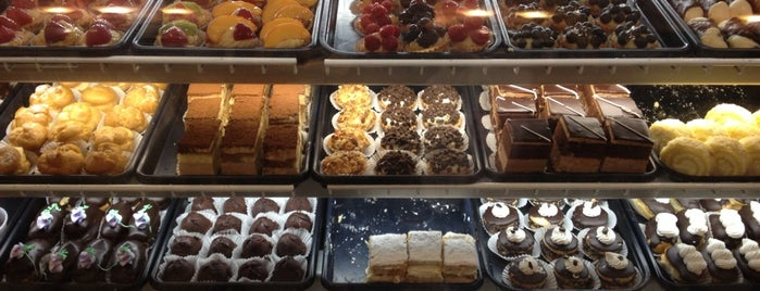 Monteleone's Bakery is one of Best Cheesecakes NY.