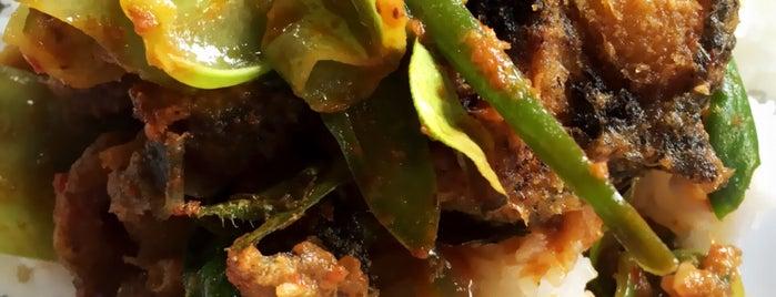 ครัวกำแพงเพชร is one of Enjoy eating ;).