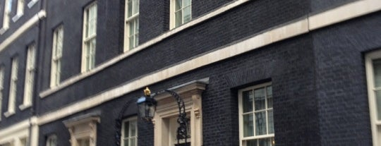 10 Downing St. is one of London.