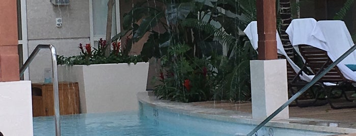 Water Club Pool is one of WATER CLUB & BORGATA.