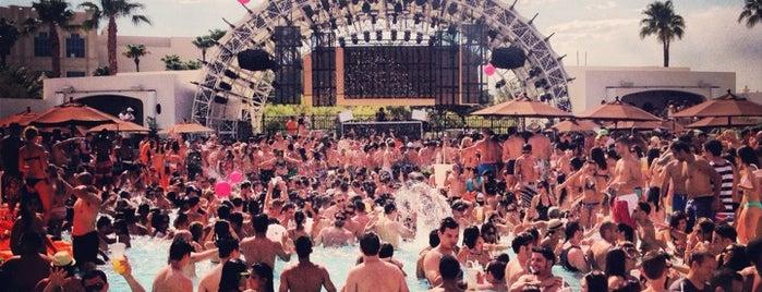 Daylight Beach Club is one of @MJVegas, Vegas Life Top 100.
