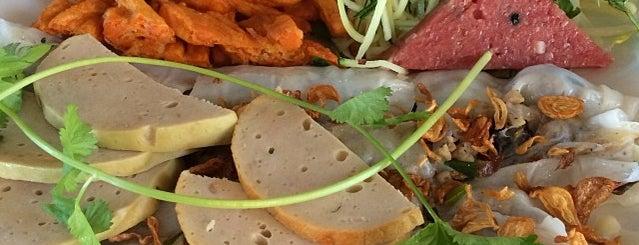 Banh Cuon Phu Ho Tay is one of cheap eats.