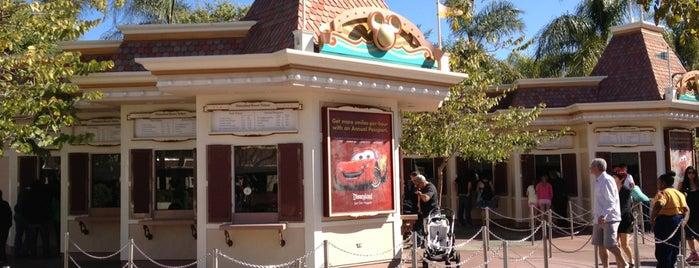 Esplanade & Ticket Booths is one of Disneyland Fun!!!.