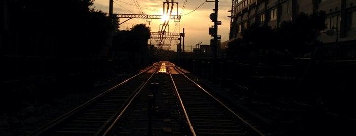 Higashimonzen Station (KK24) is one of JR.