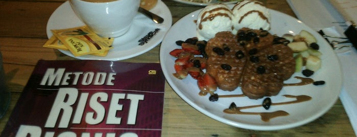 Stove Syndicate (Coffee & Waffle) is one of Top 10 dinner spots in Semarang, Indonesia.