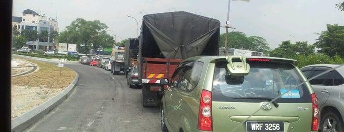 Jalan Meru is one of Highway & Common Road.