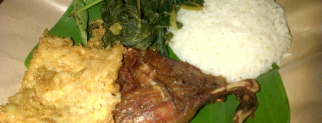Bebek Goreng H. Slamet is one of Tempat makan OK'lah.