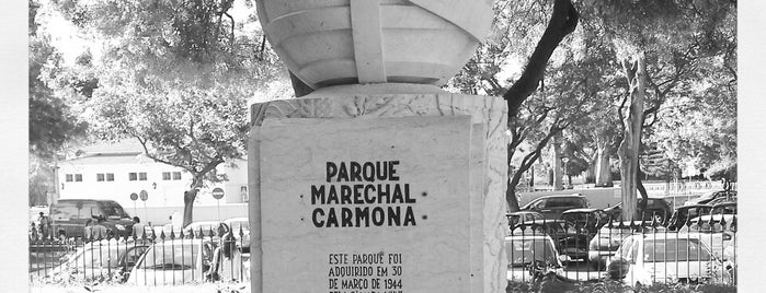 Parque Marechal Carmona is one of Passear a pé.