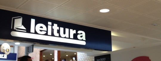 Livraria Leitura is one of Lugares....